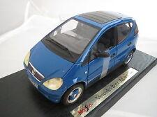 Mercedes Benz A 140 in blau von 1997 in 1:18 von Maisto