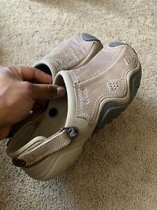 Crocs Men Brown Slip On Leather Shoes Adjustable Strap Men Size 7 Worn Once