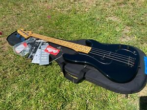 2010 Fender Roger Waters Signature Bass Black Pink Floyd P Bass Precision
