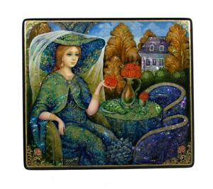 """Russian Lacquer Box """"Lady with a Rose"""" #4219"""