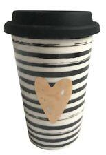 Tasse Becher to go Herz mit Strichen Streifen u schwarzem Silikon Deckel 300 ml