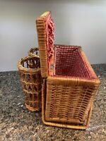 Vintage Lined WICKER RATTAN WOOD PICNIC BASKET w 2 WINE BOTTLE COMPARTMENTS EUC