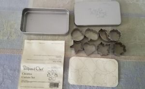 Pampered Chef #1095 Set of 8 Mini Creative Cookie Cutters in Tin