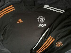 Manchester United Man Utd (M) Players Press Issue Track Pants & Training T-Shirt