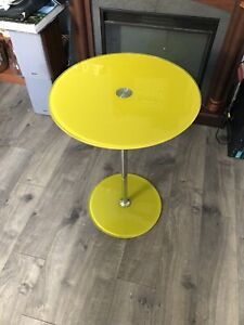 """Adjustable Height Round End Table Yellow Tempered  Glass Top 18"""" Bottom 14"""""""