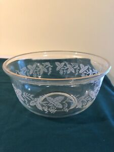 BARTLETT COLLINS CLear Glass 8' MIXING BOWL Etched Grape And Vines W/ Gold Trim.