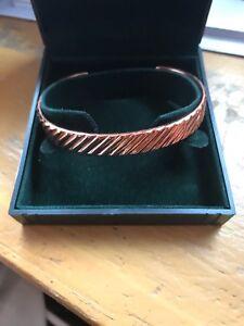 Gents Magna. Power Gold Plated Stripepd Magnetic Bracelet
