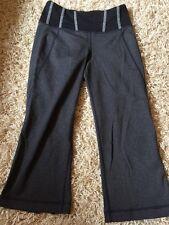 Womens Lululemon Yoga Crop Pants sz 6 Black Charcoal Grey Print