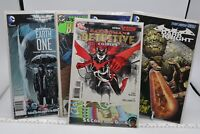 DC 5 COMIC BOOK MIXED LOT