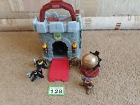 FisherPrice Great Adventures carry Medieval Castle with knights, Cannon ball set