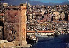BR3470 Marseille jeux de lumiere dans les eaux du vieux port et l hotel d france