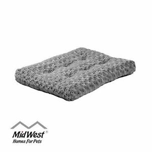 MidWest Homes Pets Deluxe Super Plush Pet Bed Machine Wash & Dryer Friendly 1 y