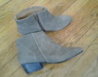 BEAUTIFUL KELSI DAGGER WOMAN'S SHOES BOOTIES TAN SIZE 10 GREAT CONDITION
