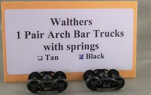Walthers - 1 Pair Arch Bar Trucks - Black with Unknown Mfr Wheel Sets