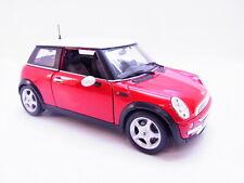 LOT 64509 | Maisto Mini Cooper rot-weiss Modellauto 1:18
