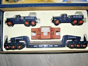CORGI Pickfords 55201 Diamond T Ballast with Trailer - Limited edition 1:50