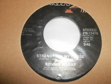 """RONNIE MILSAP """" STRANGER IN MY HOUSE / IS IT OVER """" 7"""" SINGLE EXCELLENT 1983"""