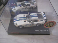 Slot Car CARRERA EVOLUTION Dodge Viper GTS-R Team Oreca 97 25407 1:32
