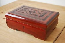 FANTASTIC VINTAGE STYLE CARVED WOODEN JEWELLERY BOX LOCK AND KEY IN BROWN COLOUR