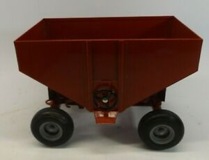 Vintage Ertl Gravity Grain Wagon Hopper IH Red  1/16th Scale