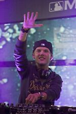 AVICII POSTER WALL ART - CHOOSE SIZE - FREE UK P&P av1