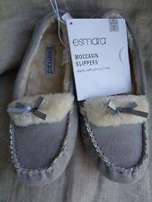 NEW Womens Esmara Faux Suede Moccasin anti slip Rubber Sole Slippers Size 5