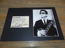 ROY ORBISON (+ 1988) signed Autogramm in 20x30 cm Passepartout InPerson LOOK