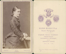 Numa, Paris, jeune femme CDV vintage albumen carte de visite. Tirage album