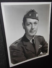 ROBERT MONTGOMERY SIGNED VINTAGE 8X10 PHOTO IN WWII MILITARY UNIFORM