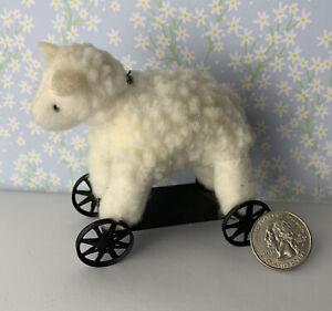 Dollhouse Miniatures Sheep on Wheels Toy Fuzzy Sheep Platform Wheels Nursery