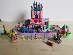 Disney Magic Kingdom Château Polly Pocket Disneyland + 6 personnages figurines