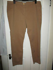 BNWT Ladies M&S Skinny Trousers Size  20 Short