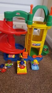 Fisher Price Little People Garage Car Park cars and people