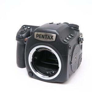 PENTAX 645Z -Near Mint-  shutter count 9722 shots