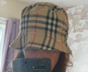 Burberry Nova Check Reversible Bucket Hat