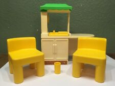 Little Tikes Dollhouse Size Kitchen Area Island Oven 2 Chairs Cup