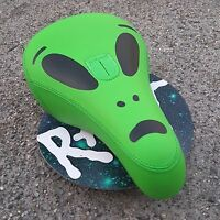 RANT BELIEVE MID PIVOTAL SEAT GREEN ALIEN BMX BIKE BICYCLE SEATS FIT CULT SHADOW