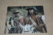 RYAN GAGE signed  Autogramm In Person 20x25 cm THE MUSKETEERS