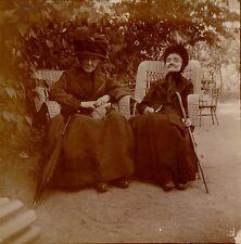 VICHY 1918 - Femmes Fauteuils Rotin - aa839