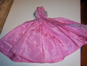 VINTAGE BARBIE PINK AND SILVER GOWN (SNAP CLOSURE)