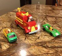 AVIVA ~ PEANUTS LOT SNOOPY'S NO. 1 LADDER FIRE TRUCK & SNOOPY/WOODSTOCK SLOT CAR
