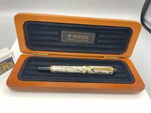 PARKER Duofold SE Black & Pearl Fountain Pen International 18K Fine nib NM Boxed