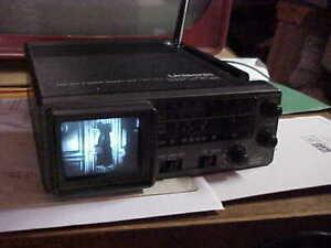 RETRO VINTAGE TV UNISONIC MICRO TV MODELXL-990 2 INCH CRT 1979 TV-RADIO