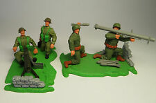 Timpo Toys - 2 Soldaten  Dioramen   WW 2 - TOP