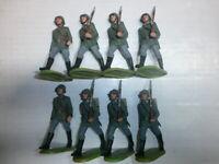 Konvolut 8 alte Elastolin Kunststoff Soldaten zu 7.5cm Wehrmacht Marschzug