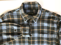 Orvis Men's Luxury Flannel Shirt Long Sleeved Blue Plaid Button Down Size L