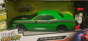✅Maisto Tech R/C Green Black 2006 Dodge Challenger Concept  1:24 Street Series