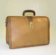 """Hartmann Belting Leather 18"""" Bow Top Doctors / Attorney Lawyers  /Scholars Brief"""
