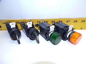 4) NEW CUTLER HAMMER E22VG1 3 POS. SELECTOR SWITCH  & 2 POS. E22TL1 PILOT LIGHTS