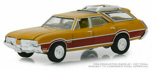 Greenlight 1:64 Estate Wagons Series 3 1970 Oldsmobile Vista Cruiser Car 29950-C